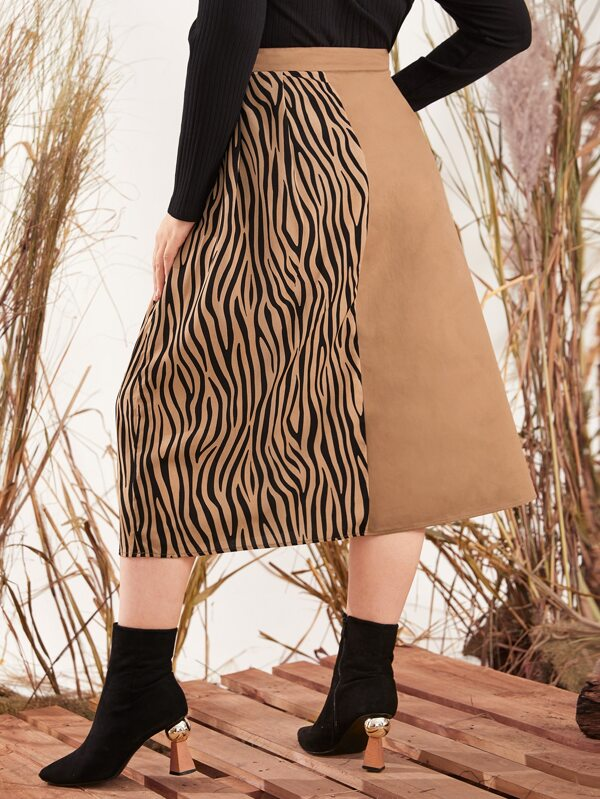 Plus Zebra Striped Panel Double Breasted Skirt