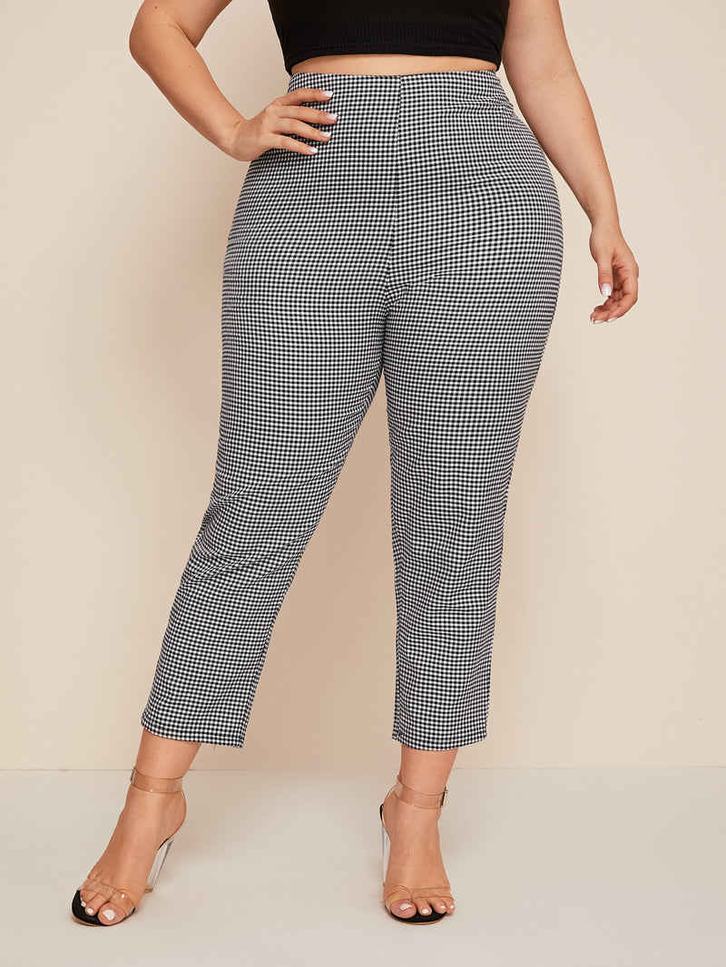 Plus Size Gingham Crop Tapered Pants