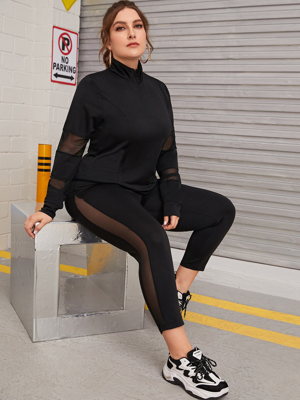 Plus Size Sporty Mesh Half Zip Top With Leggings