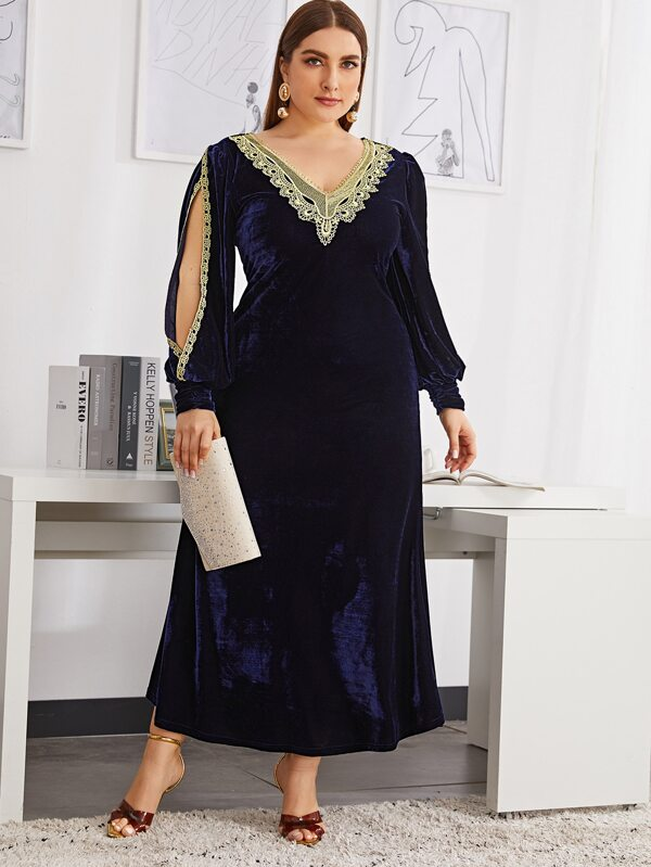 Plus Size Split Sleeve Applique Detail Velvet Dress