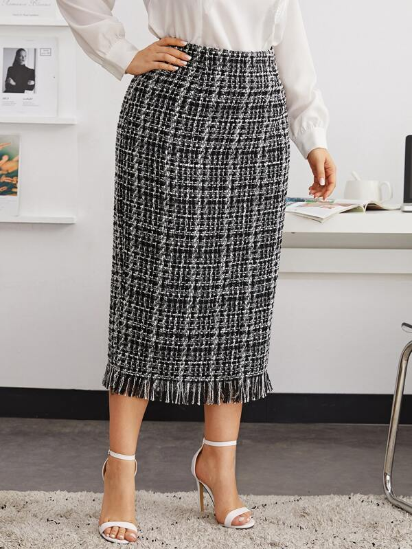 Plus Size Split Back Raw Hem Plaid Tweed Skirt