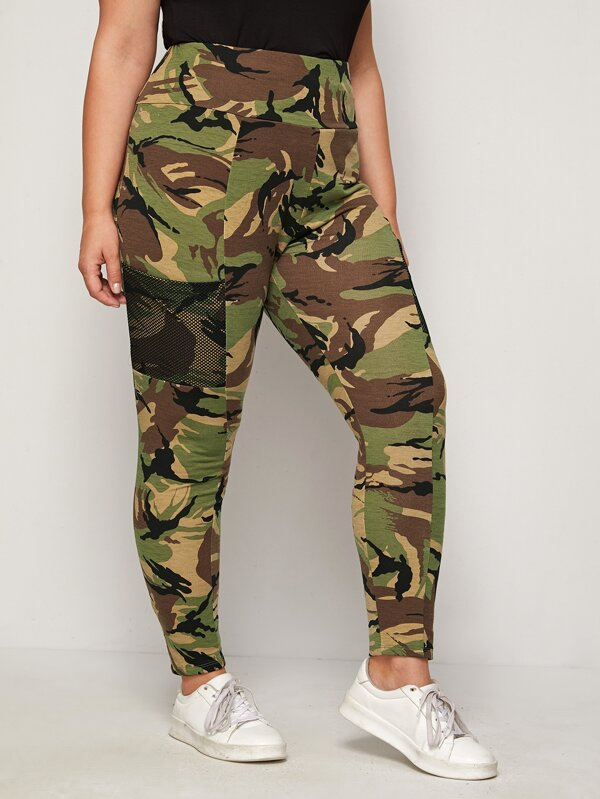 Plus Size Wide Waistband Mesh Pocket Detail Camo Leggings