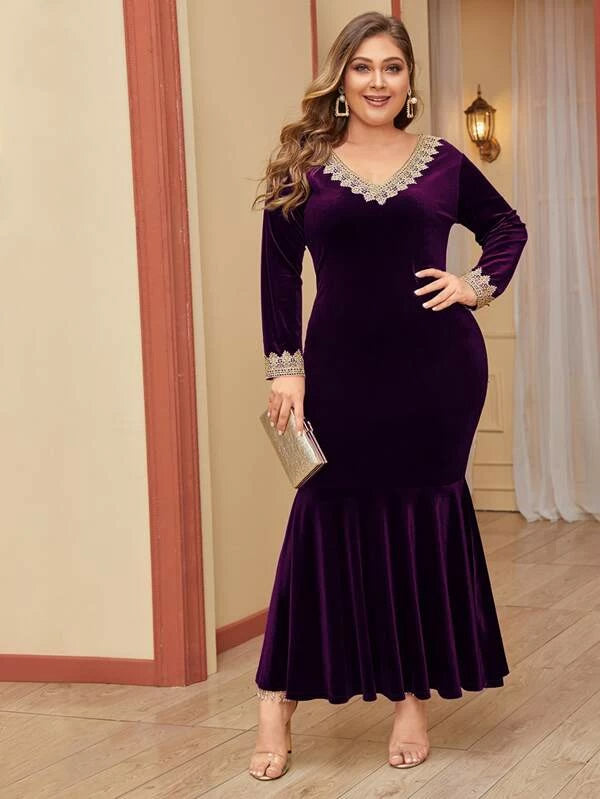 Plus Size Lace Trim Fishtail Hem Velvet Bodycon Dress