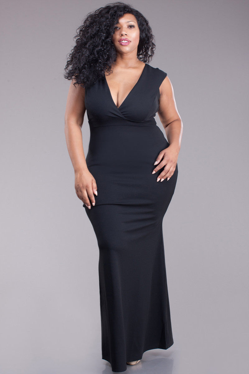 Lavish Plunging Neckline Plus Size Maxi Dress – Plussizefix
