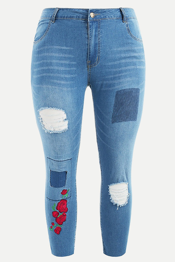 Plus Size Patch Ripped Embroidered Capri Jeans
