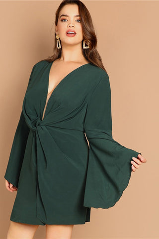 Plus Size Elegant Green Deep Bell Sleeve Dress