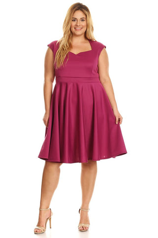 Plus Size Solid Short Sleeve Knee Length Dress In A Relaxed Style With Sweetheart Neck - Magenta