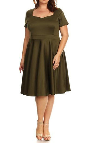Plus Size Short Sleeve Midi Dress Flare Style With Sweetheart Neckline - Olive