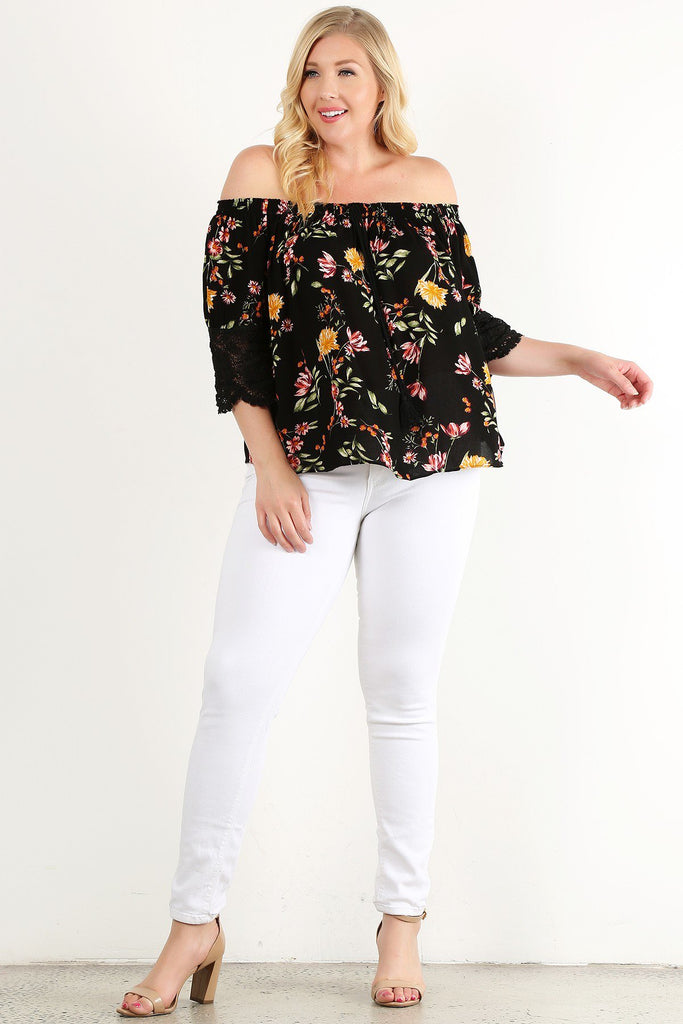 Plus Size Floral Printed With 3/4 Bell Sleeve Top