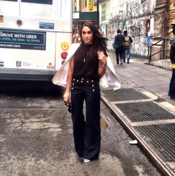 659d0456033a And, now when wide leg pants are in vogue, she is here to inspire others  about how to style bell bottoms. For a laid-back, relaxed fashion sidewalk  kind of ...