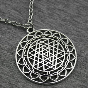44x40mm Sri Yantra Pattern Pendant Necklace For Women Antique Silver Color Fashion Necklace Jewelry Accessories Antique Silver Plated / 70cm Pendant Necklaces