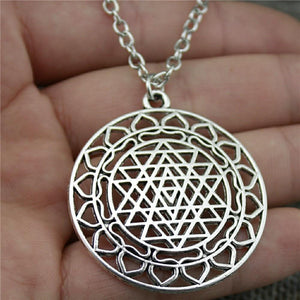 44x40mm Sri Yantra Pattern Pendant Necklace For Women Antique Silver Color Fashion Necklace Jewelry Accessories Pendant Necklaces