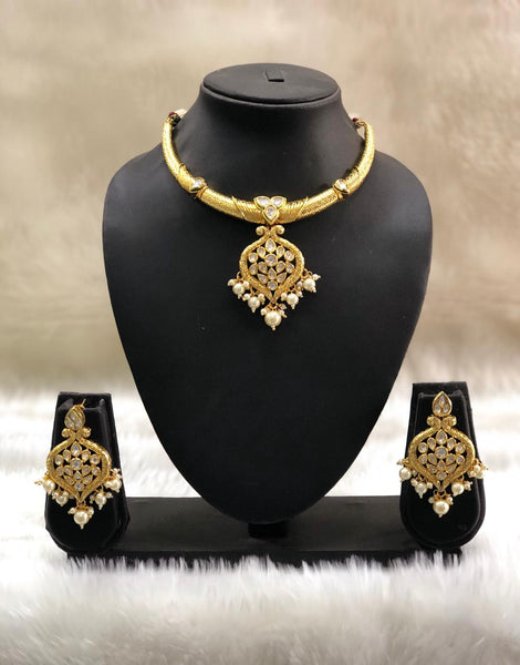 Golden Filigree Kundan Pearls Choker Necklace Set