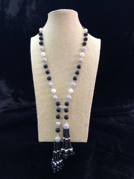 Fascinating Black Pearls Tassel Necklace