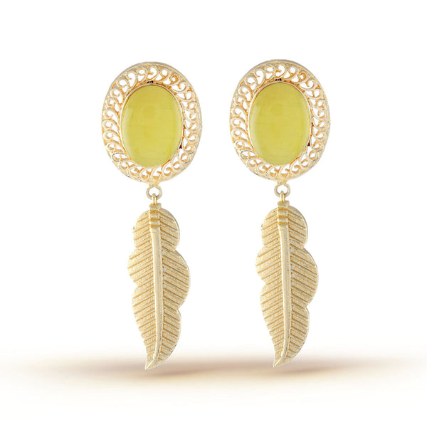 Elegant Yellow Gold Dangler Earrings