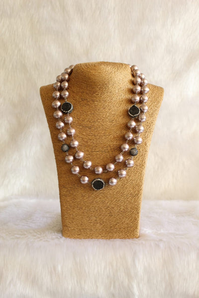 Splendid Chocolate Brown Pearls and Black Shell Pearls Necklace