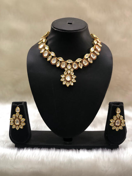 Gorgeous Red Enamel Kundan Choker Necklace Set