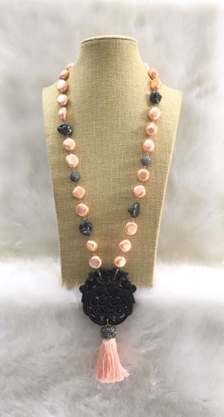 Peach and Black MOP and Shell Pearls Agate Pendant Necklace
