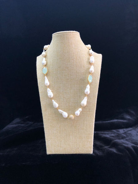Fresh and Alluring Pearls And Light Turquoise Necklace