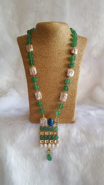 Elegant Emerald Green Kundan Drop Pendant Necklace