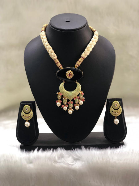 Gigantic Beautiful Meena Art With Kundan Choker Necklace Set