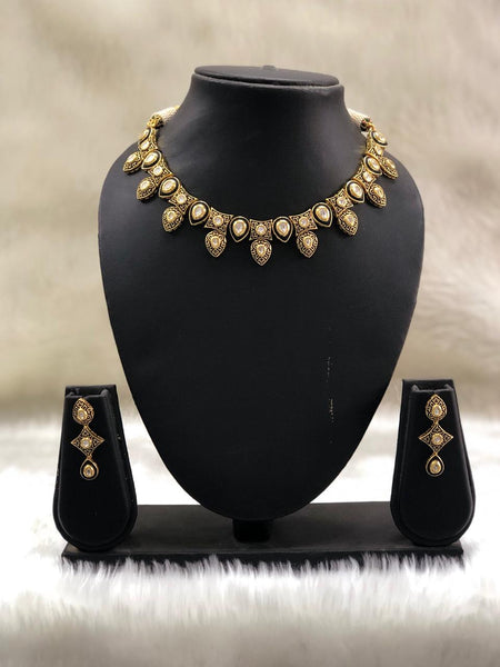 Astonishing Rich Kundan with Beautiful Meenakari Necklace Set