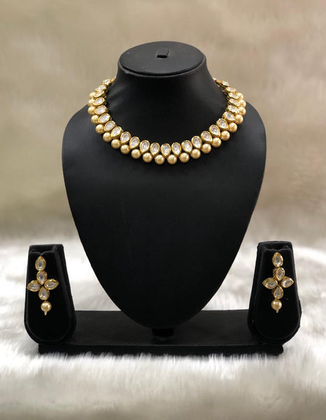 Raindrop Kundan And Shell Pearls Choker Necklace Set