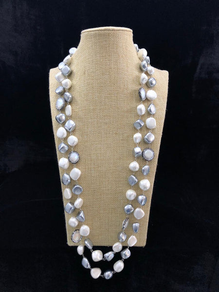 Mesmerizing Mauve Pearls And Crystal Necklace