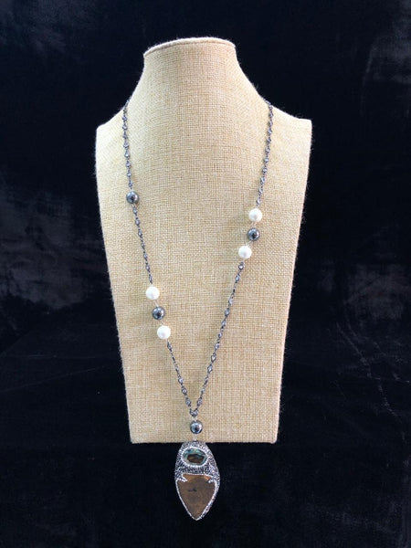 Sparkling Silver Chain Crystal With Shell Pearls Necklace