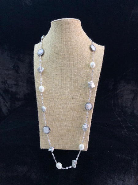 Mesmerizing Mauve Chain Crystal And Pearls Necklace
