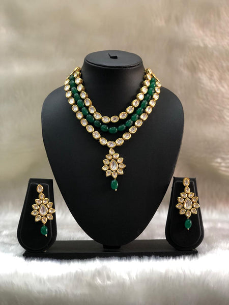 Fascinating Emerald Green Gemstones Choker Necklace Set