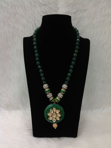Elegant Emerald Gemstones And Kundan Pendant Necklace