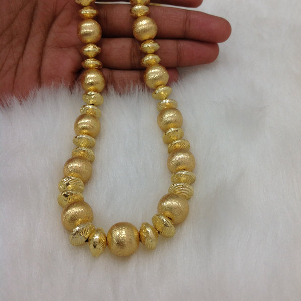 Enchantres Golden Allure Beads Necklace