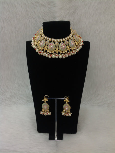 Ornamental Olive Green Kundan And Pearls Necklace Set