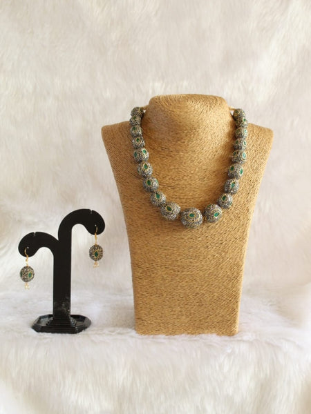 Glistening Green Fancy Alloy Beads Necklace Set