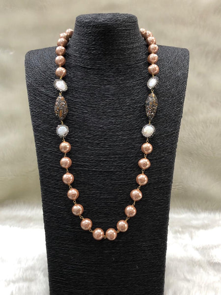Trend-Setting Tawny Golden Shell Pearls Necklace