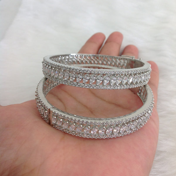 Graceful Droplets of Crystal Bracelet