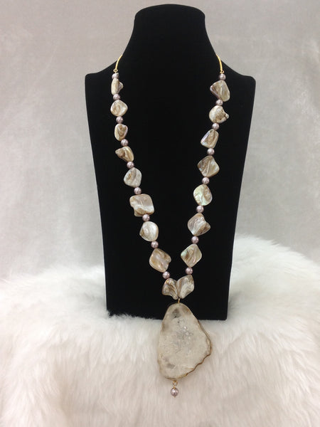 Charismatic Cream MOP with Druzy Stone Pendant Necklace