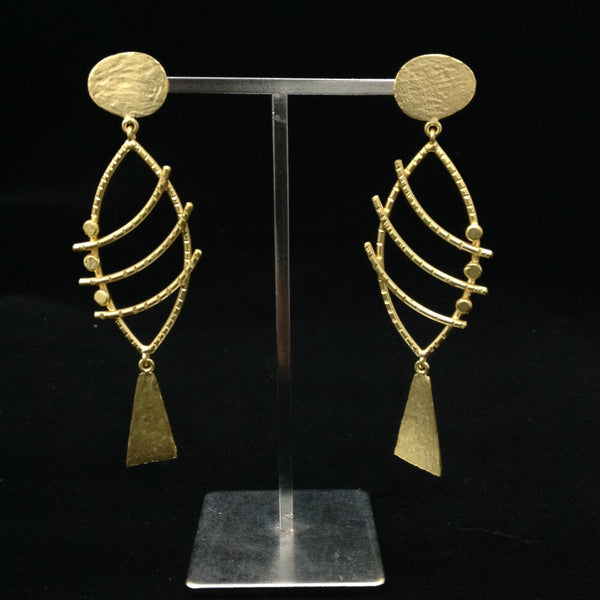 Compelling Curved Golden Earrings