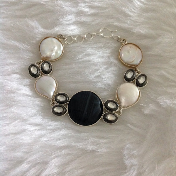 Beauticious Black Gemstones Pearl Openable Bracelet