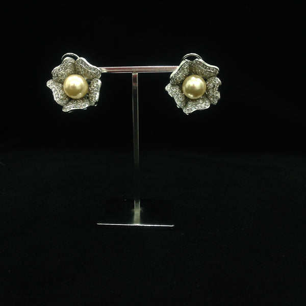 Charming Golden Pearl in Floweret Crystal Earrings