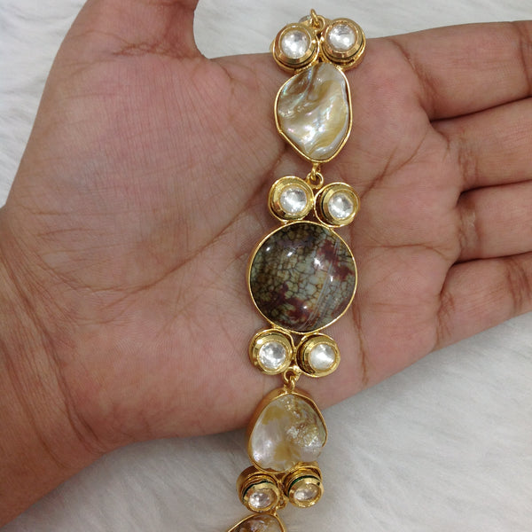 Tantalizing Gemstones With MOP Openable Bracelet