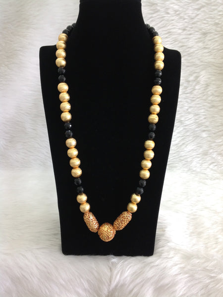 Blossom Black Gemstones And Geru Beads Necklace