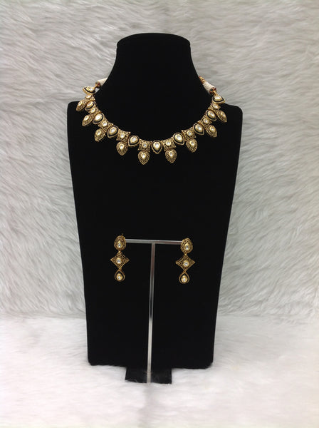 Attractive Black Droplet Kundan With Meenakari Choker Necklace Set