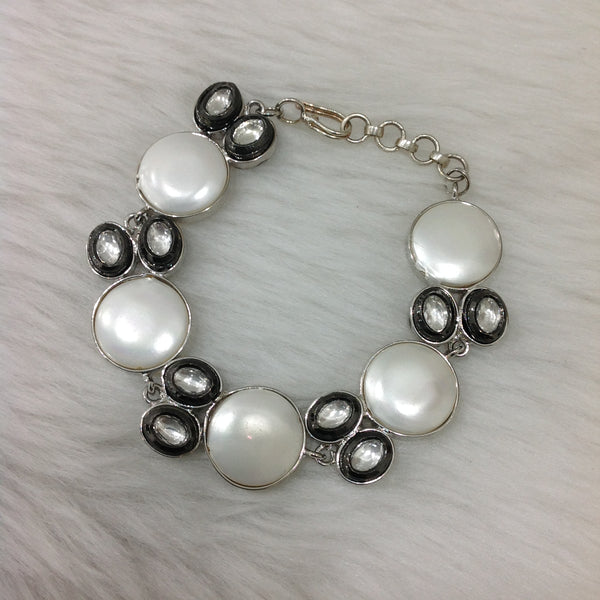Artisan Shell Pearl and Kundan Openable Bracelet