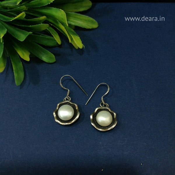 White Pearls in Shells 925 Silver Drop Earrings