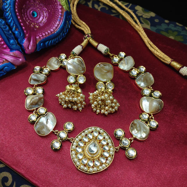 Charming Rich Kundan and MOP Choker Necklace Set