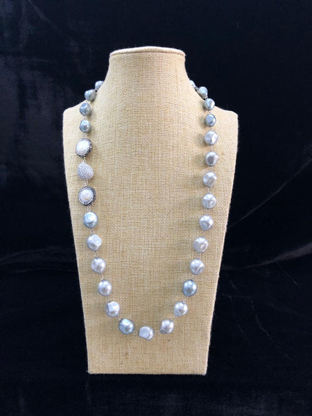Elegant Pearls with Crystals Necklace