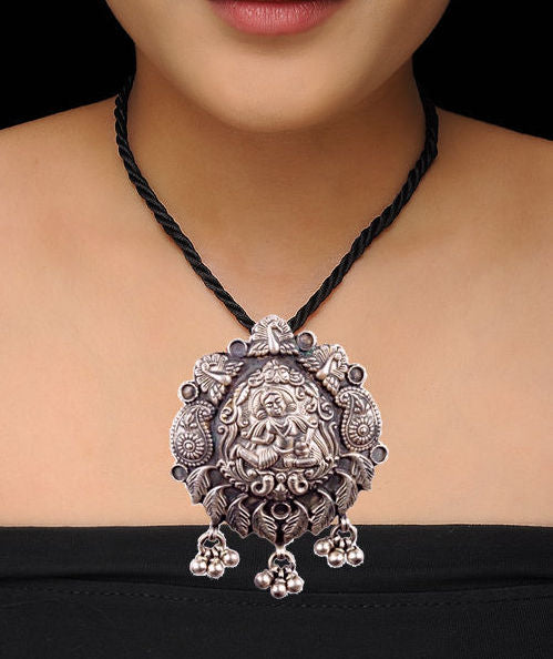 Black Thread in Silver Divine Motif Pendant Temple Necklace