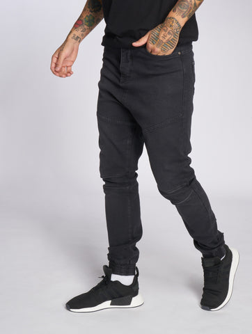 Deus Maximus / Antifit Gaius in black-Universal Store London™